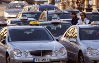 Les-chauffeurs-de-taxis-ont-annonce-qu-ils-mettaient-fin-a-leur-greve._pics_390